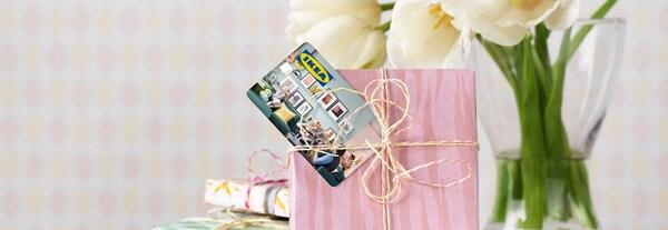 carte-cadeau-ikea-cadeaux-rose-fleurs