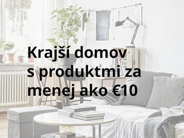"""Text """"Krajší domov s produktmi za menej ako 10€"""", v pozadí obrázok obývačky."""