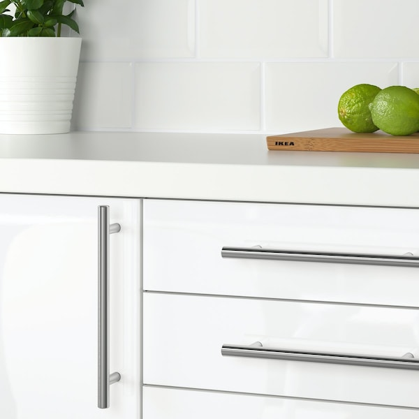 Change kitchen handles: stainless steel example