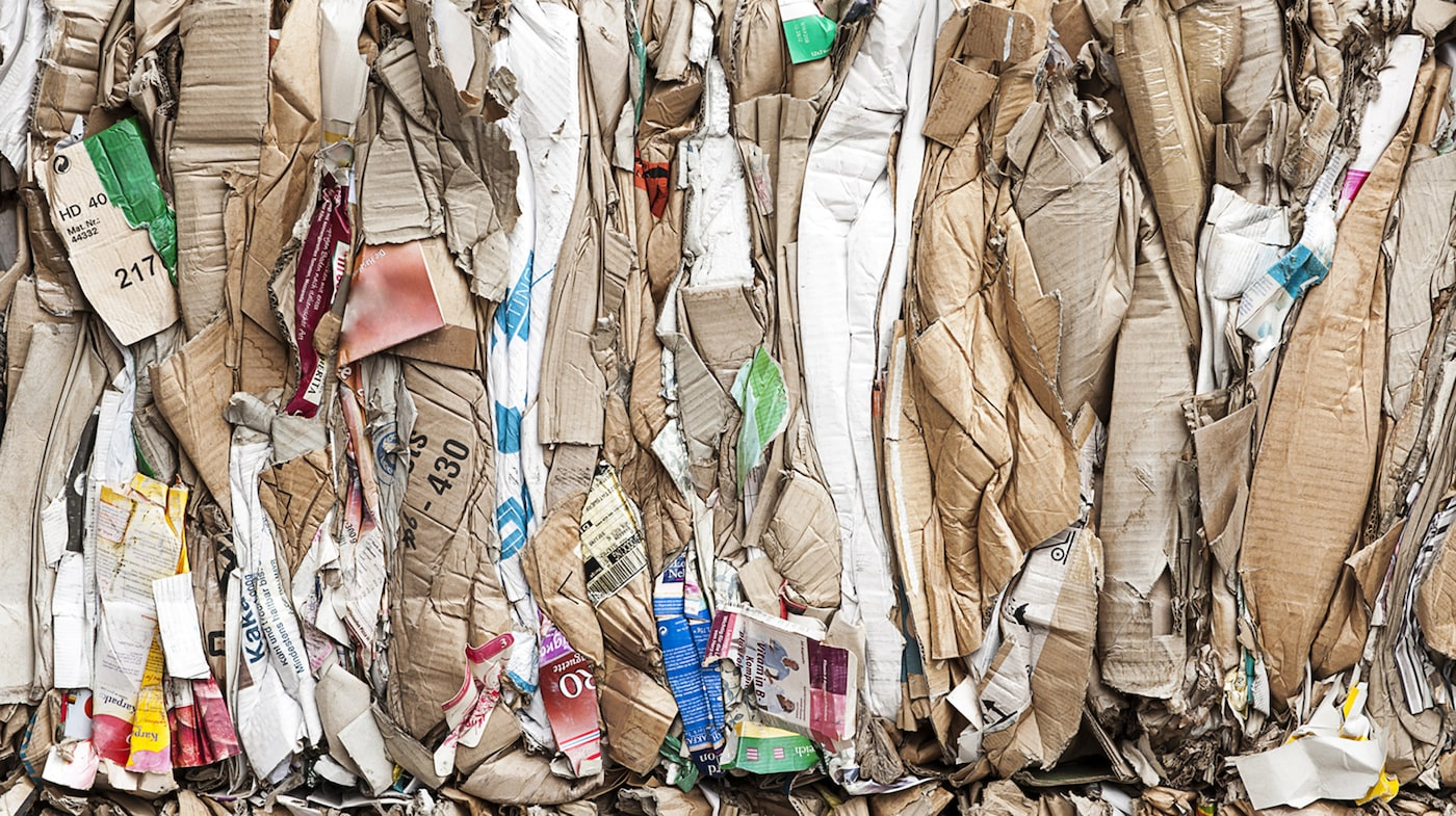 Chez IKEA, nous reconnaissons la valeur des produits de rebut et désirons vous aider à en faire de même. Car lorsque nous produirons moins de déchets, nous serons en mesure de léguer une planète plus propre, plus saine aux générations futures.
