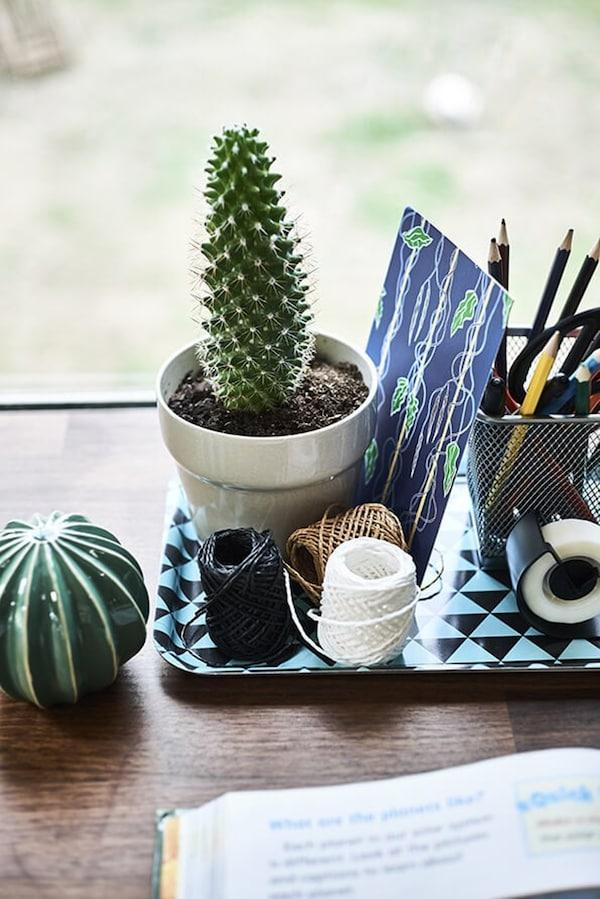 Children's desk - teenager - tray - IKEA inspiration