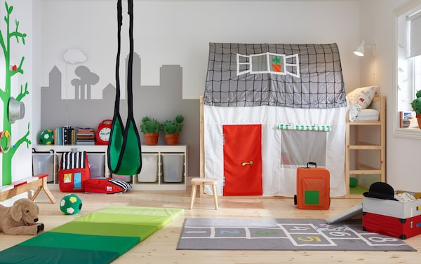Children's room with bunk bed with tent and play mat