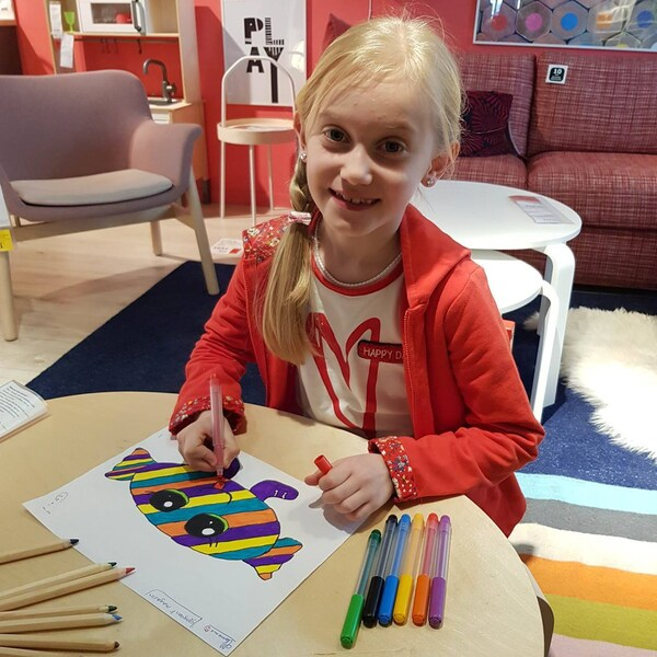 Clémence, 8 ans, de IKEA Toulon avec son dessin Bonbon Poisson Gourmand