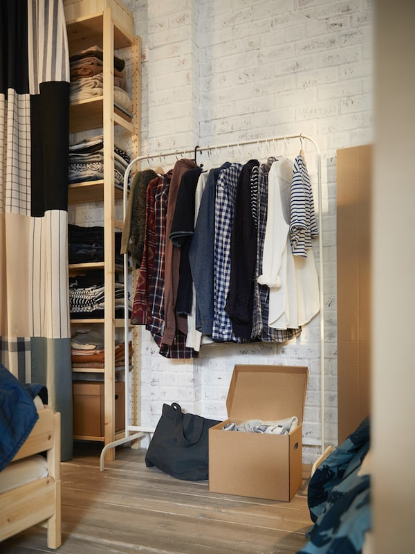 Clothes stands & shoe racks