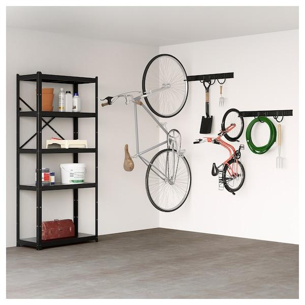Colgar bicicletas despeja el suelo y además es decorativo