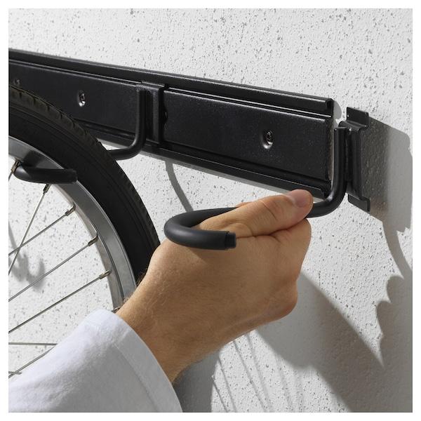 Colgar bicicletas todas juntas puede ser fácil