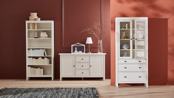 Collection de meubles de salon HEMNES.