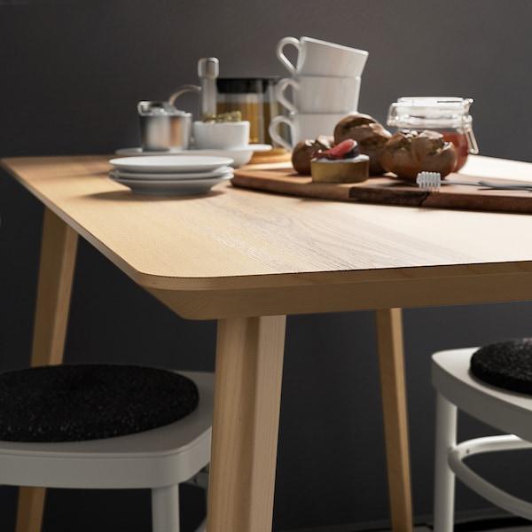 Come scegliere il materiale del tavolo da pranzo.