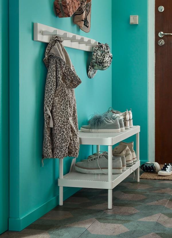 Cómo decorar recibidores pequeños con toques de color