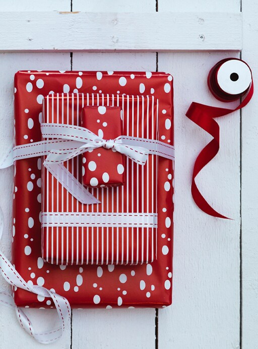 Cómo reciclar papel de regalo.