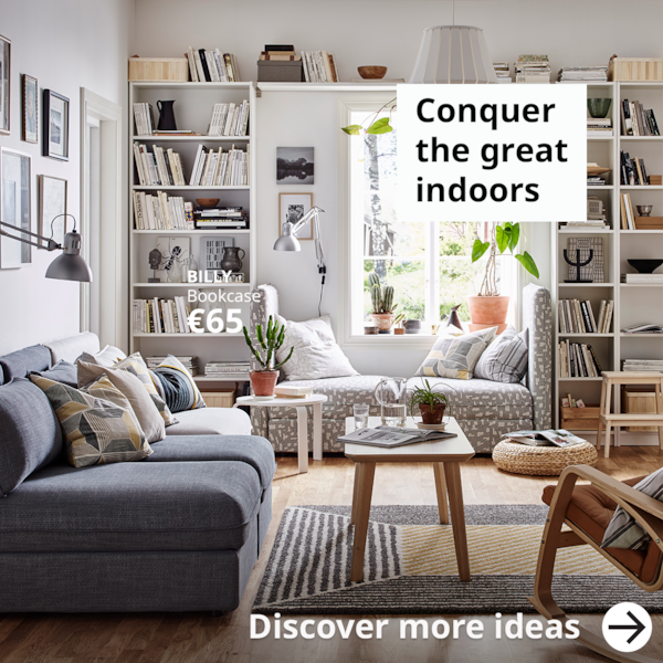 Conquer the great indoors. A bright living room with white a BILLY bookcases storage solution.