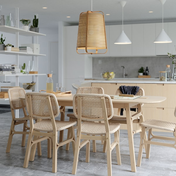 Consejos para crear una zona de comedor amplia y luminosa para pasar tiempo con tus seres queridos.
