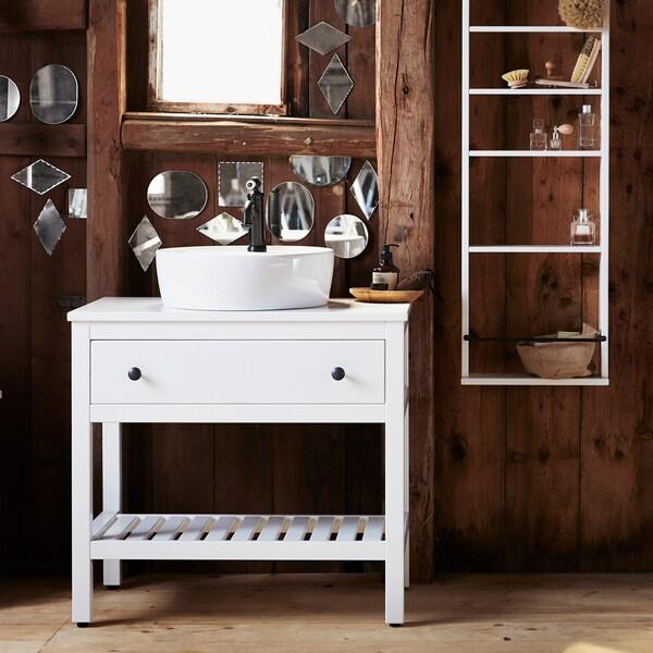 Consigli per arredare un bagno di piccole dimensioni.
