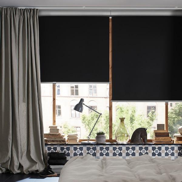 Consigli su come usare le tende e le tende a rullo oscuranti e dormire meglio.