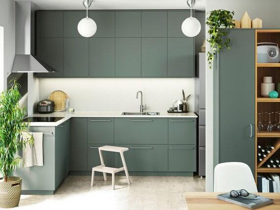 Cozinha com frentes BODARP em verde