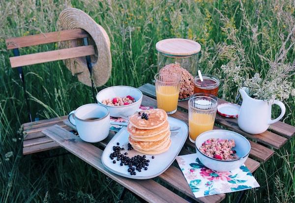 Crea la tua perfetta colazione estiva nella natura