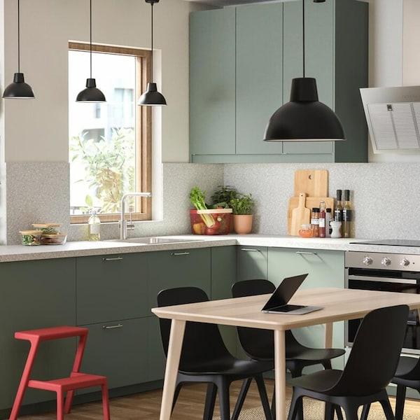 cuisine-ikea-vert-clair-blanc-bodarp