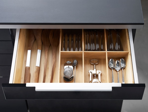 Cutlery in draw storage from the VARIERA series.