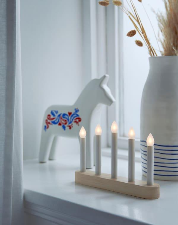 Зимняя коллекция канделябр и украшение лошадь
