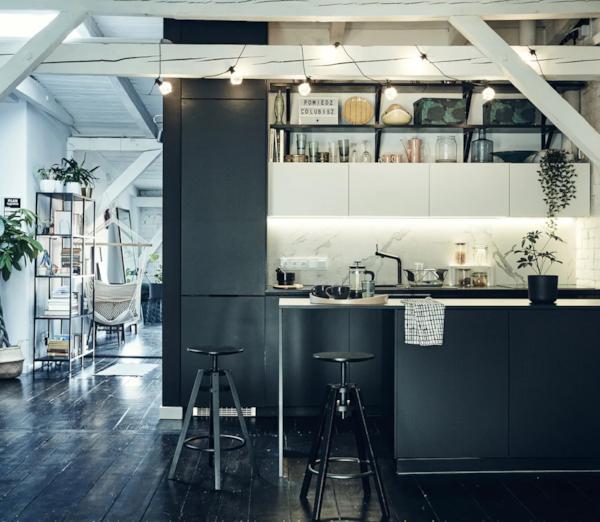 Dizajniranje minimalističkog, modernog utočišta u potkrovlju