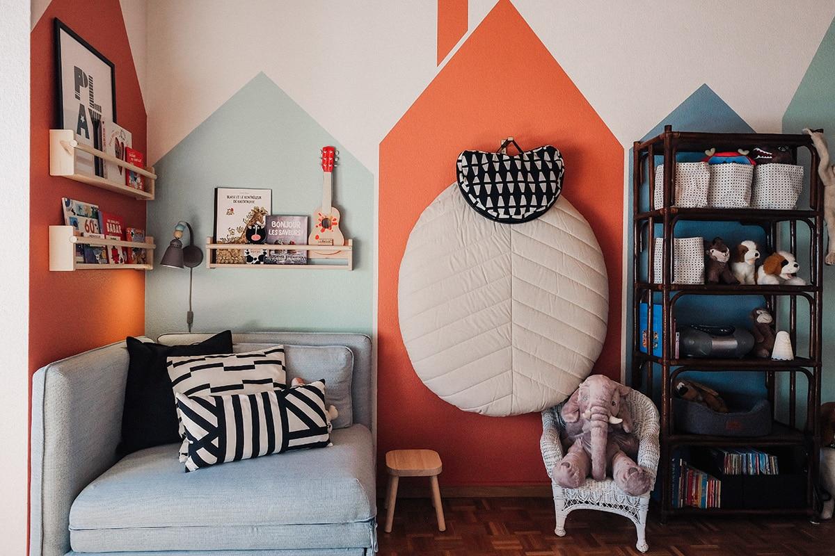 Découvre ici comment nous avons transformé avec Marion la chambre de son fils Nathaniel en une chambre d'enfant multifonctionnelle, d'inspiration scandinave.