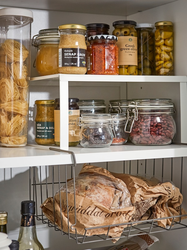 Idees Pour Organiser L Armoire A Provisions Ikea