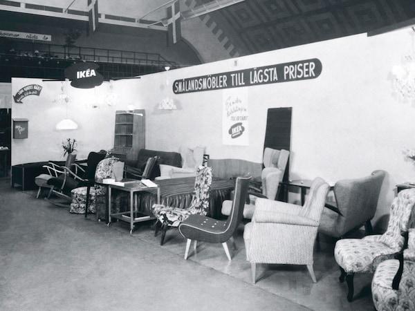 Den första IKEA möbelutställningen i Älmhult.