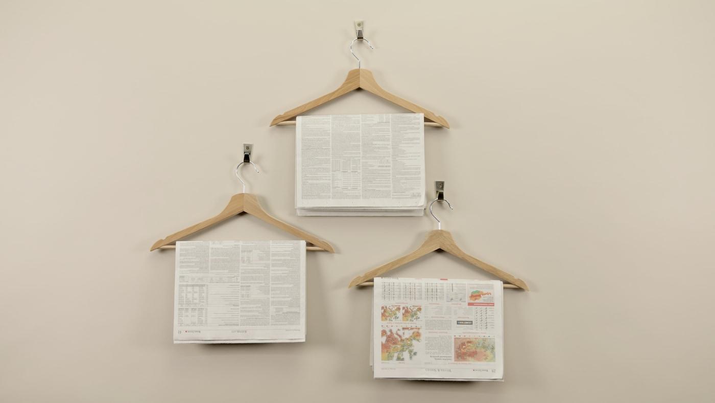 Der IKEA BUMERANG Kleiderbügel ist ein echter Verwandlungskünstler. Ob als Zeitungsständer, Sonnenbrillenhalter oder Traumfänger - den BUMERANG kann man nicht nur zur Kleideraufbewhrung verwenden.