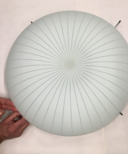 Dismantling the CALYPSO ceiling lamp