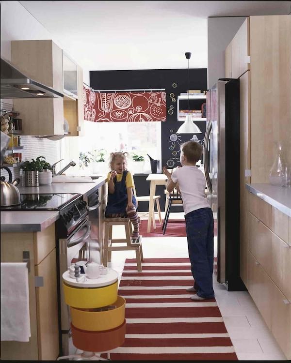 дизайн кухни с коврами