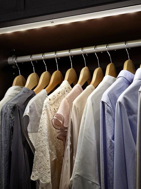 Éclairage intégré dressing