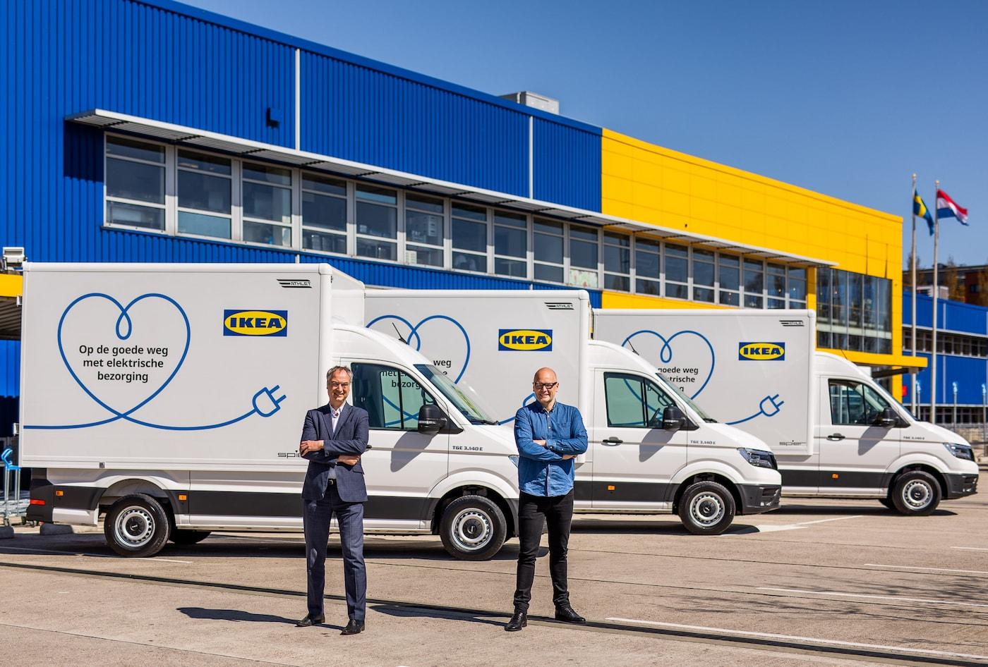 Egbert de Vries (Wethouder Verkeer en Vervoer, Water en Luchtkwaliteit in Amsterdam) en Paul de Jong (CEO en CSO van IKEA Nederland).