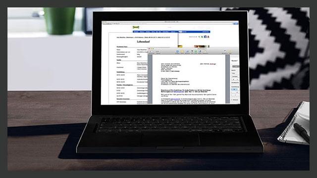 Ein Computer mit der IKEA Job Bewerbungsseite zeigt.