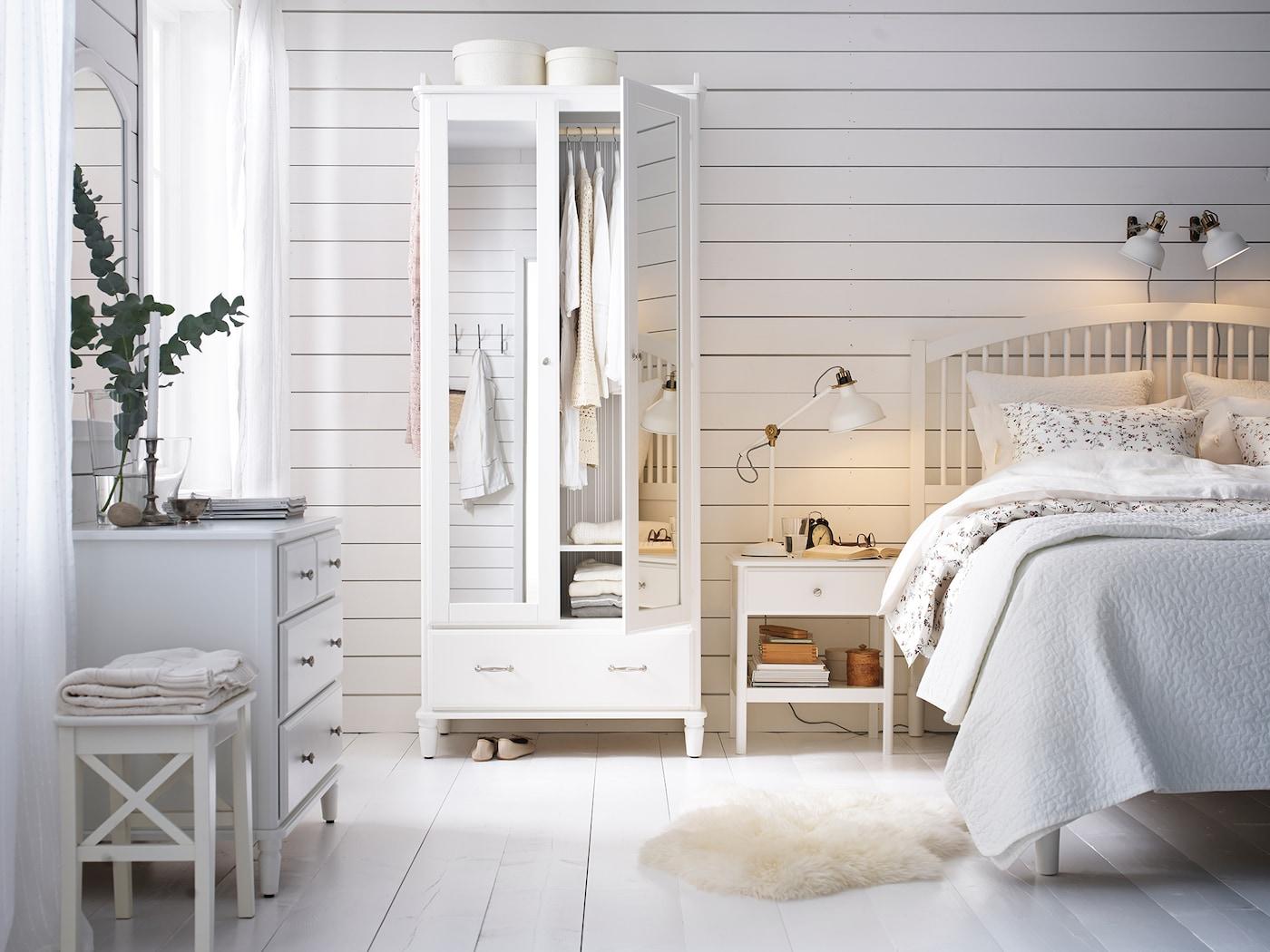 Helles Schlafzimmer im Landhausstil einrichten - IKEA ...