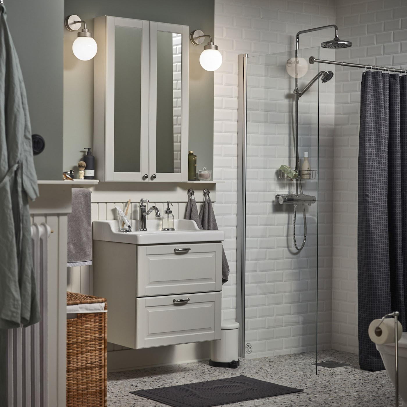 Stilvolles und übersichtliches Badezimmer - IKEA Österreich