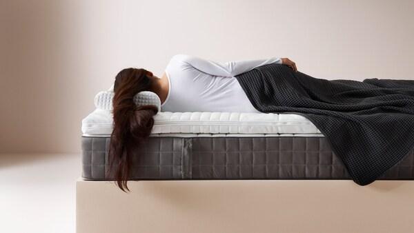 Ein Planer, damit du die Matratze, die Decke und das Kissen findest, die am besten für dich sind