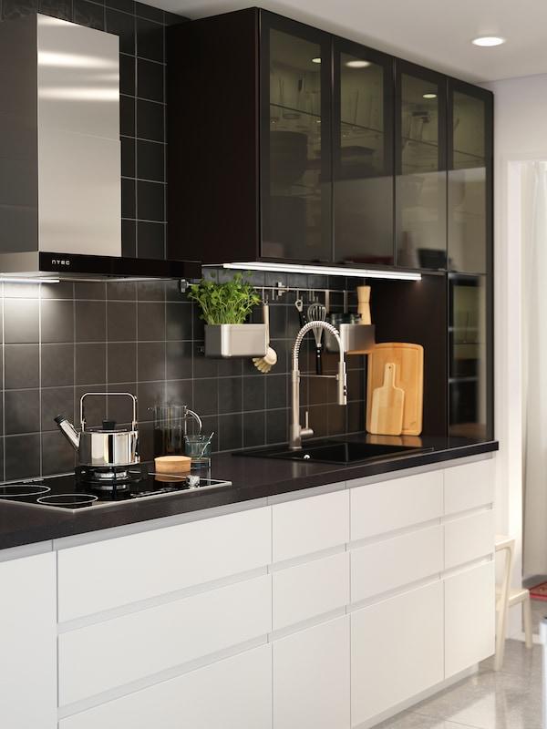 Große Küche in schlichtem Weiß: Inspiration - IKEA Deutschland