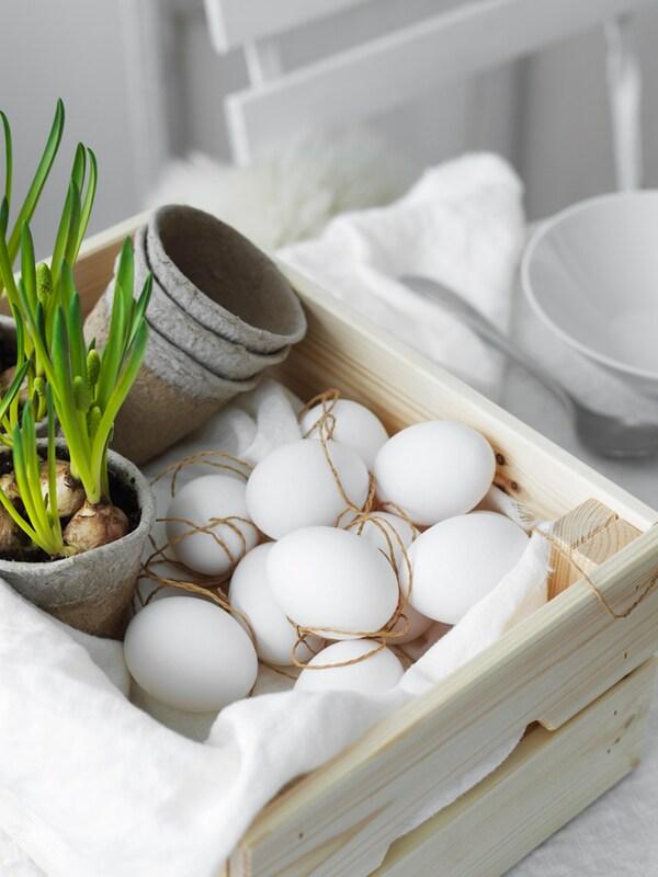 En trekasse full av egg.