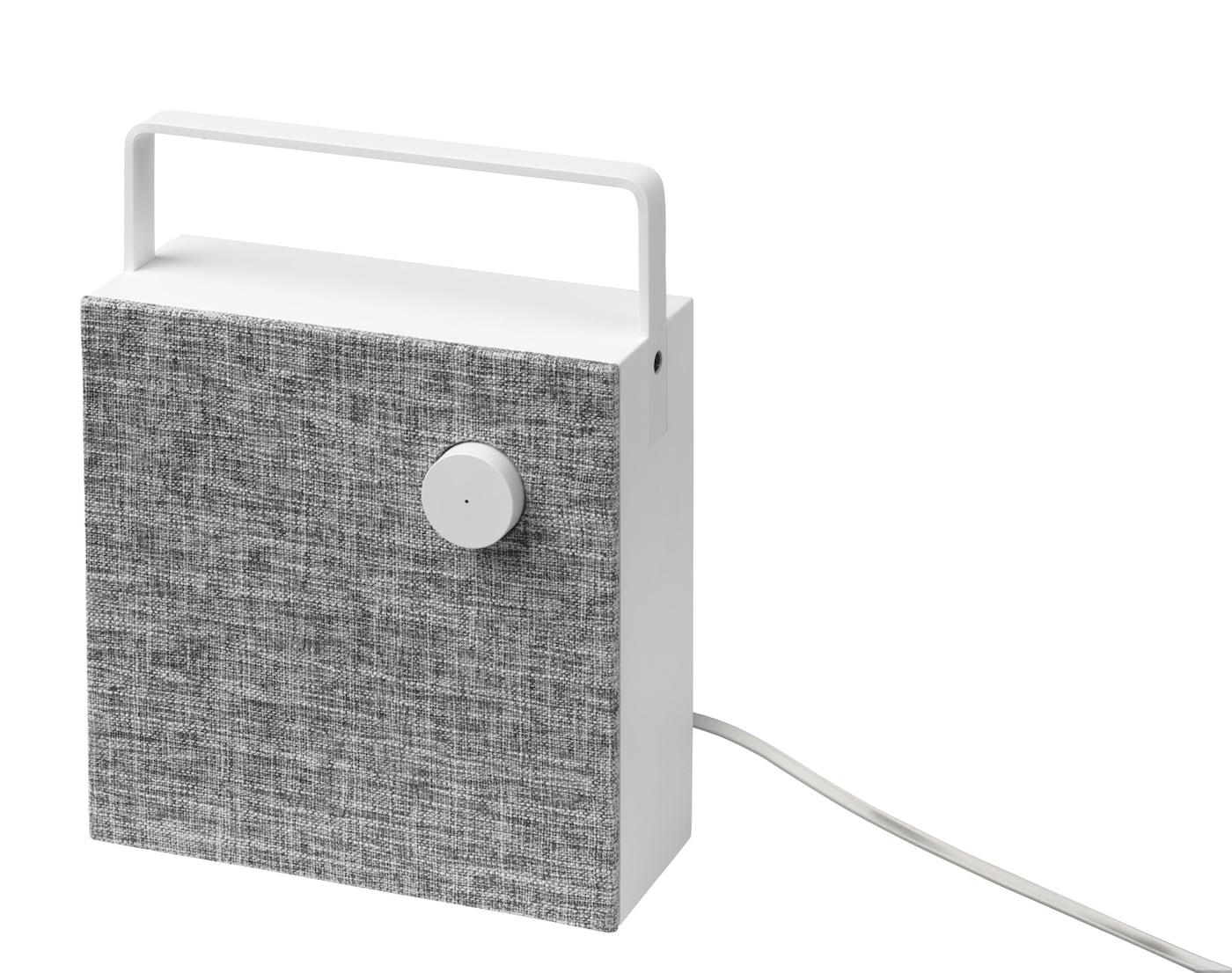 ENEBY Bluetooth Lautsprecher vor weißem Hintergrund.