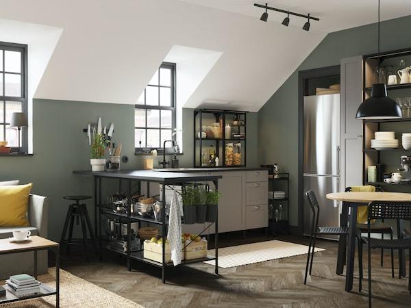 ENHET Küche - moderne Küchenmöbel in schwarz mit grauen Küchenschrankfronten