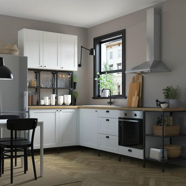ENHET Küchenzeile mit weißen Küchenschrankfronten