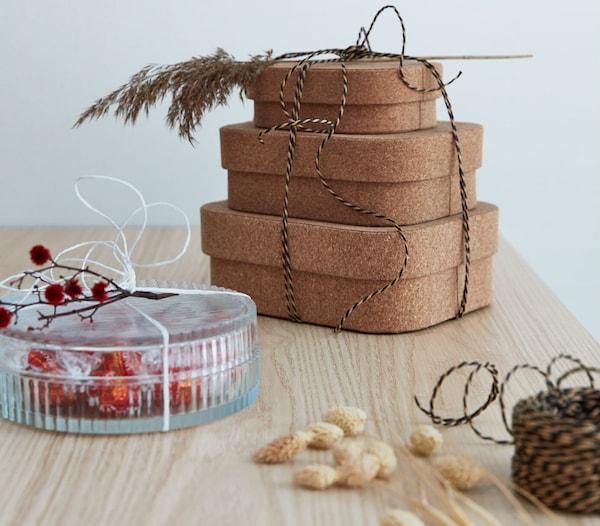 Envolver regalos  en cajas o envases