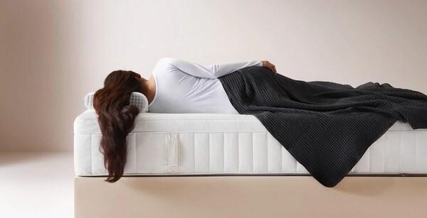 Эргономичное спальное место — матрас, обеспечивающий оптимальную опору для позвоночника.