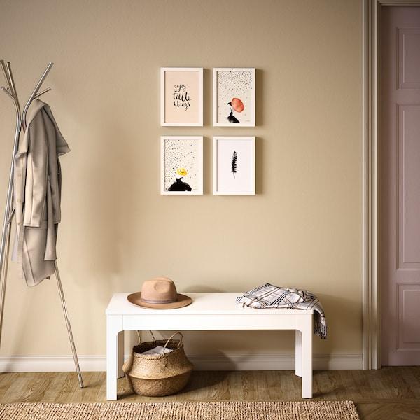 Erilaiset kuvat ja taulut ovat helppo tapa luoda tilasta omannäköinen, ja nostaa esille juuri sinua viehättävät ja miellyttävät aiheet.