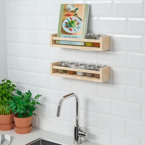 estantes de pared para ganar espacio en la cocina