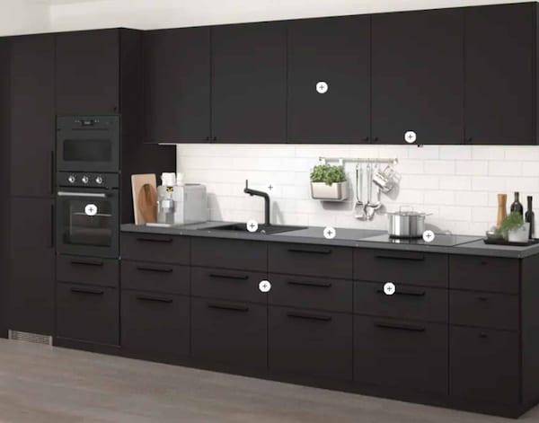 Et 3D billede af et køkken, hvor man selv kan skifte fronter og se, hvad prisen bliver.
