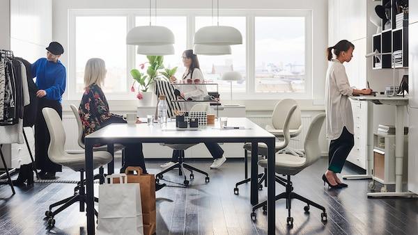 Et travlt kontor
