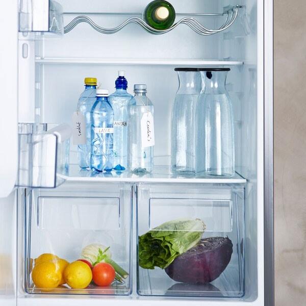 Evitare rifiuti di plastica bevendo l'acqua del rubinetto