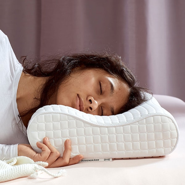 Experience the ergonomic pillow effect