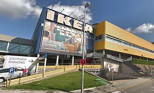 Fachada de la tienda IKEA Badalona
